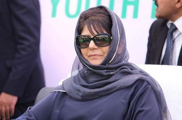 पाकिस्ताननेही अणुबॉम्ब ईदसाठी ठेवलेले नाहीत : मेहबुबा मुफ्ती