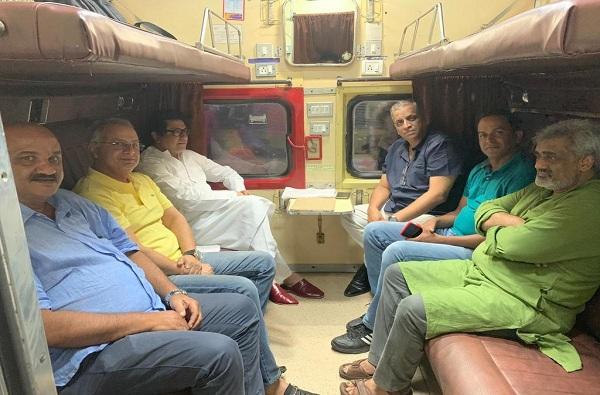 raj thackeray maharashtra tour, सभांचा झंझावात सुरु, नांदेडमधील पहिल्या सभेसाठी राज ठाकरे रवाना