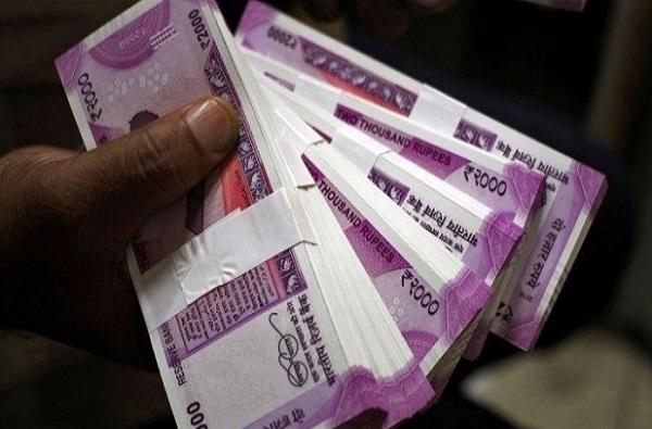 2000 रुपयांच्या नोटा बंद होणार? बँकांच्या एटीएममध्ये मोठ्या बदलाच्या हालचाली