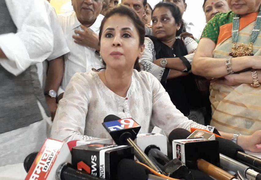 urmila matondkar reaction after voting North mumbai lok sabha election 2019, मनसे फॅक्टर 23 मे रोजी कळेल : उर्मिला मातोंडकर
