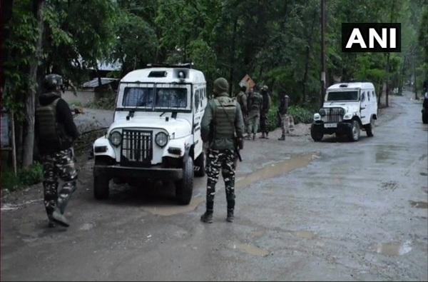, हल्ल्याचा कट उधळला, दहशतवाद्याकडून श्रीनगर एअर बेसचा नकाशा जप्त