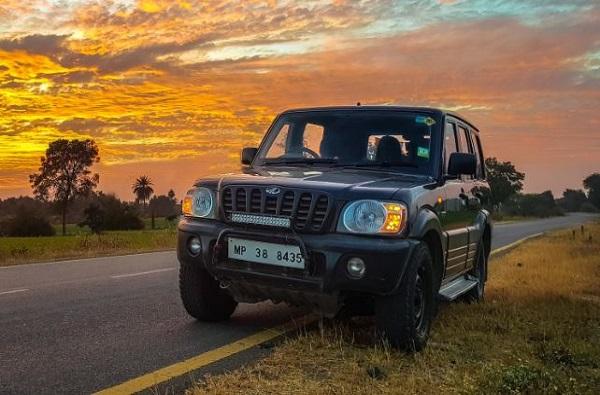 'या' 7 सीटर SUV कारवर एक लाख रुपयांची सूट