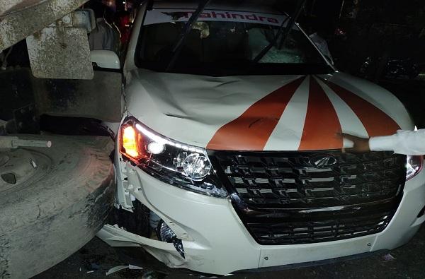 , मुंबई – नाशिक महामार्गावर अपघातात दोघांचा मृत्यू, मध्यरात्री 4 तास हायवे रोखला