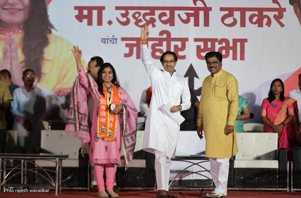 bhavana gawali, मंत्रिपदाची संधी हुकली, आता भावना गवळींना लोकसभेचं उपाध्यक्षपद मिळणार?