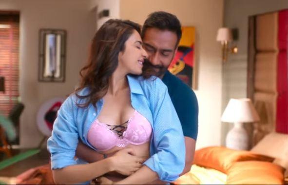 De De Pyaar De uncensored scenes, अजय देवगणच्या सिनेमातील 'या' सीनवर सेन्सॉर बोर्डाची कात्री