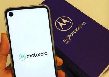 Motorola One Macro Launch, तीन कॅमेऱ्याचा फोन फक्त 10 हजारात उपलब्ध