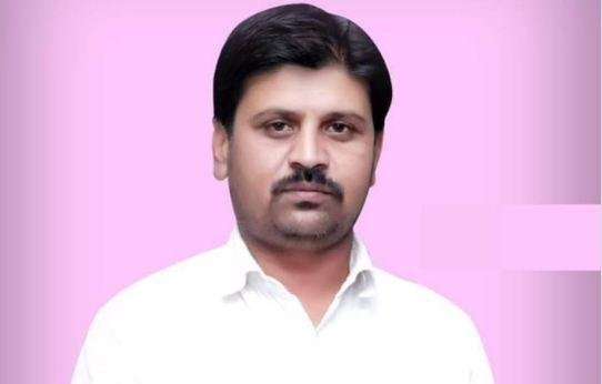 Yuvak Congress Taluka president Ramesh Suradkar commits suicide, बाजारासाठी आईला दुकानावर पाठवून युवक काँग्रेस तालुकाध्यक्षाचा गळफास!