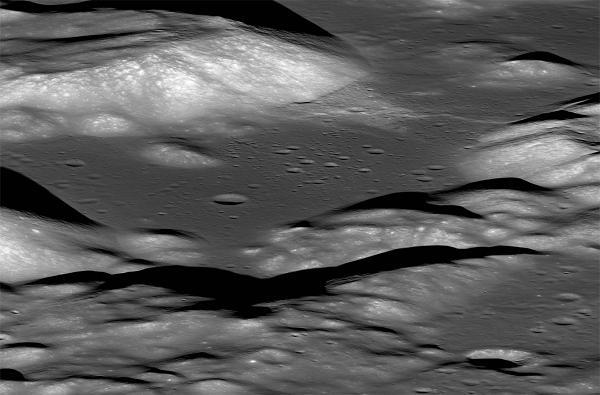 VIDEO : चंद्राचा आकार कमी होतोय, नासाच्या संशोधनात धक्कादायक बाब उघड