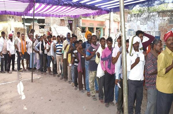पश्चिम बंगालमध्ये सर्वाधिक, तर उत्तर प्रदेशमध्ये सर्वात कमी मतदान