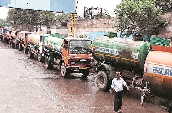 water tanker scam, घोटाळ्यांचा नांदेड पॅटर्न, धान्य, पोलीस भरतीनंतर आता टँकर घोटाळा